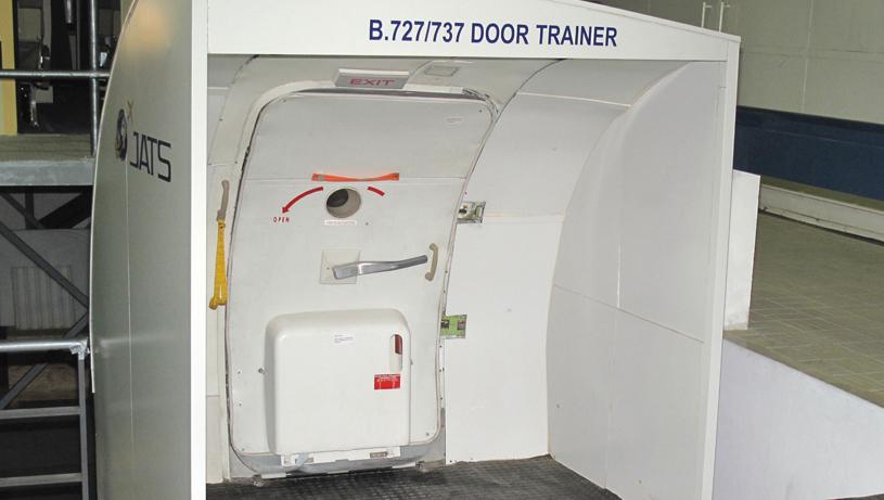 A330-A340 Door Trainer & Cabin crew   JATS